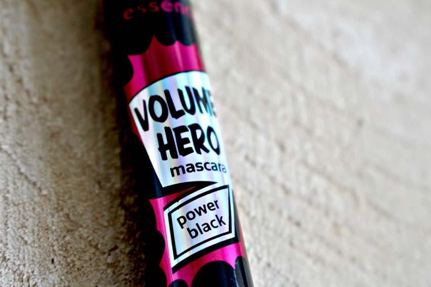 ریمل اسنس مدل Volume hero power black